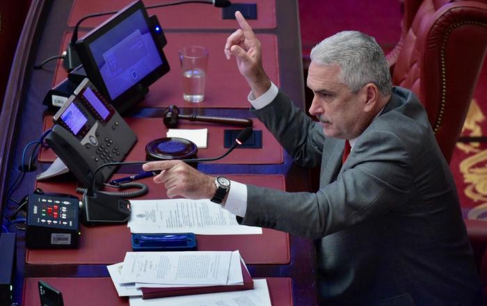 JSF impondrá un presupuesto tras tranque entre Cámara y Senado