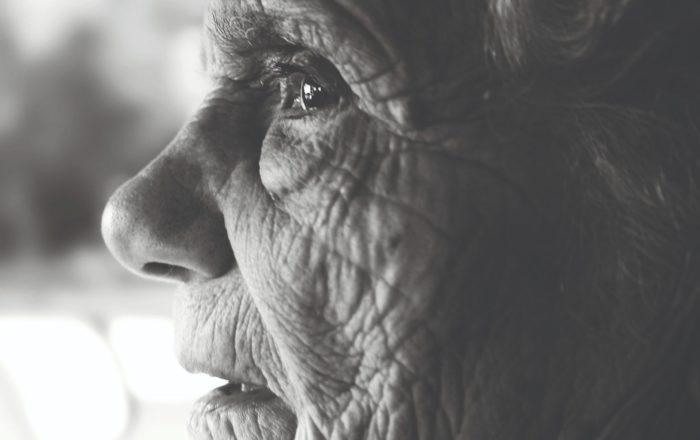 adulto mayor, envejeciente, arrugas, rostro