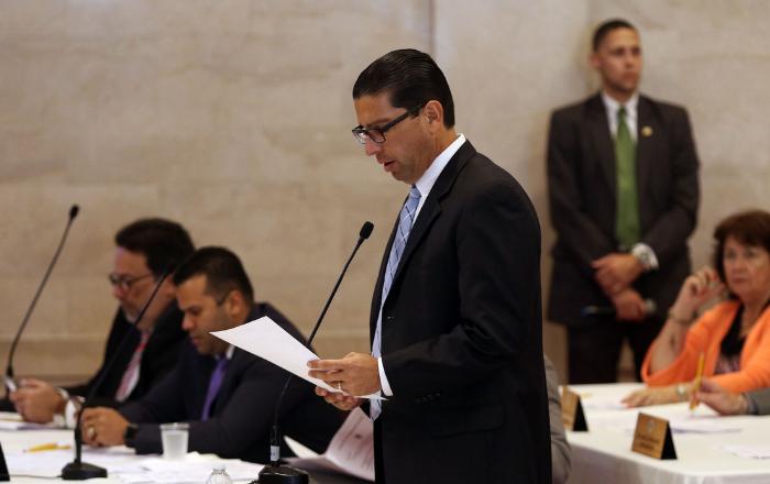 Rodríguez Aguiló pide renuncia de Dennise Longo por mentir sobre el informe del almacén