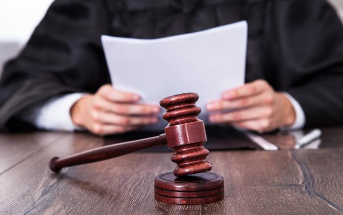 Alegan en tribunal que toque de queda es inconstitucional