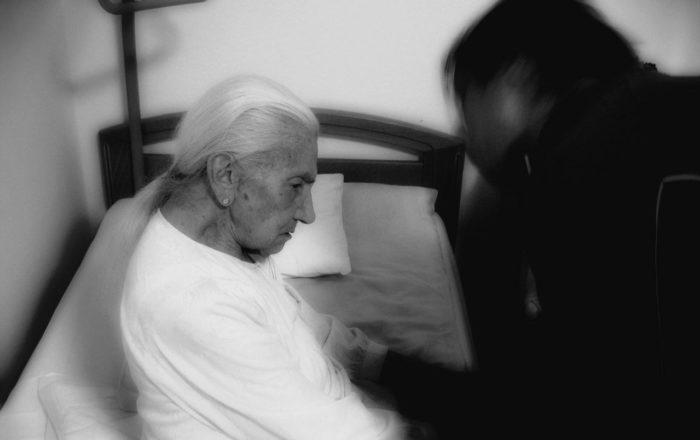 A prisión por maltrato de adulto mayor
