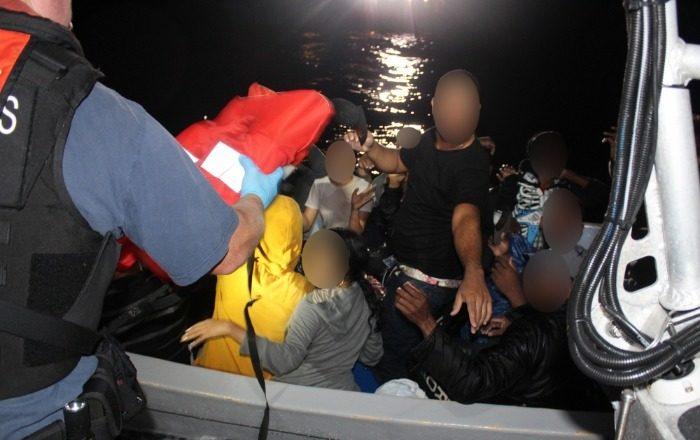 Pandemia aumenta el número de migrantes aventurándose en yolas