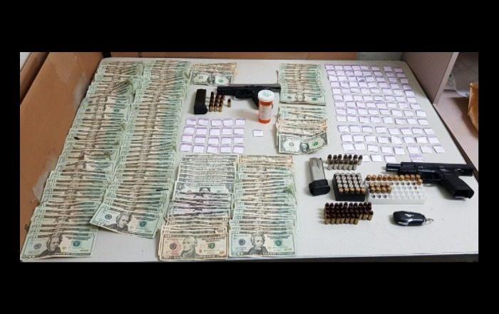 Drogas, dinero y arresto durante allanamiento en Guayanilla