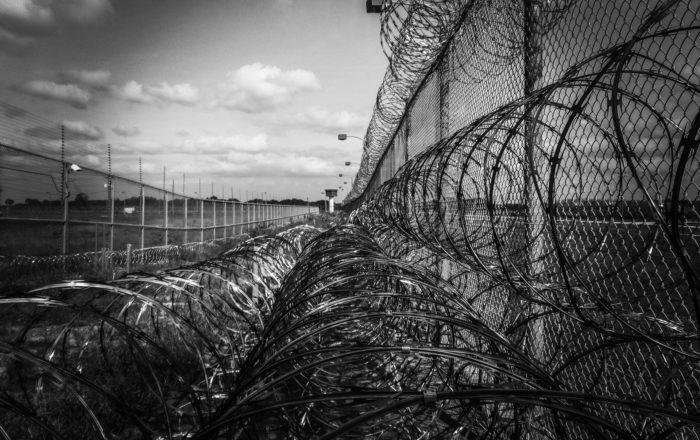 Alegan que entre 300 y 600 confinados son inocentes