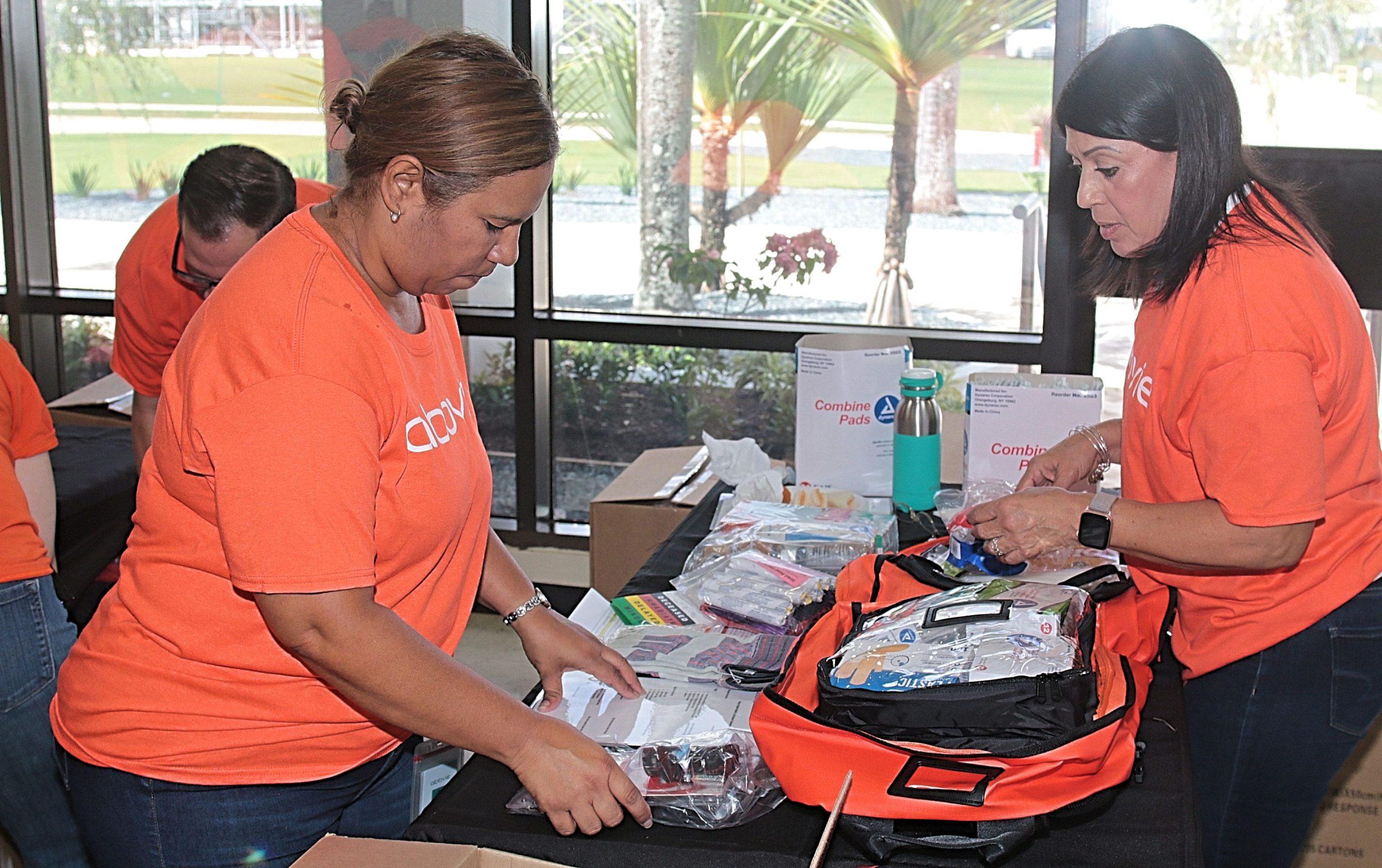 Proveen mochilas con suministros médicos para respuesta rápida