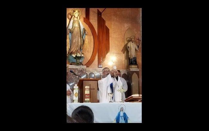 Muere sacerdote hallado con golpes cerca de iglesia en Ponce