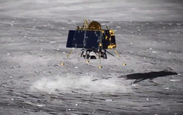 Nave robótica de India intentará descender en la Luna