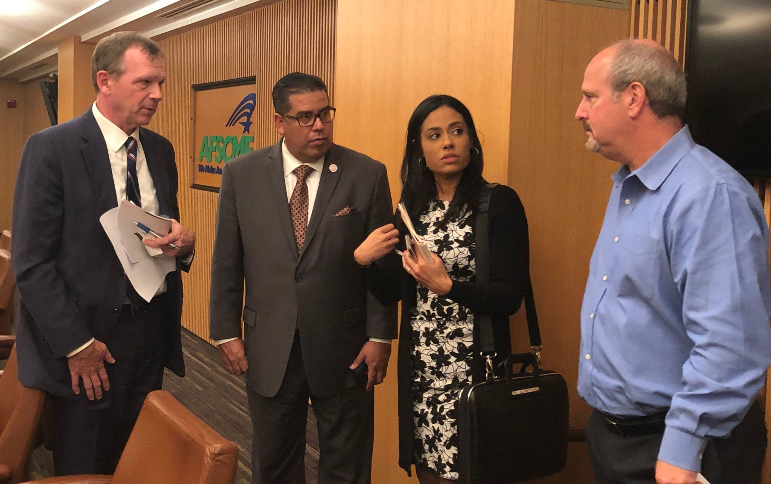 Legisladores y alcaldes abogan en Washington por la reconstrucción