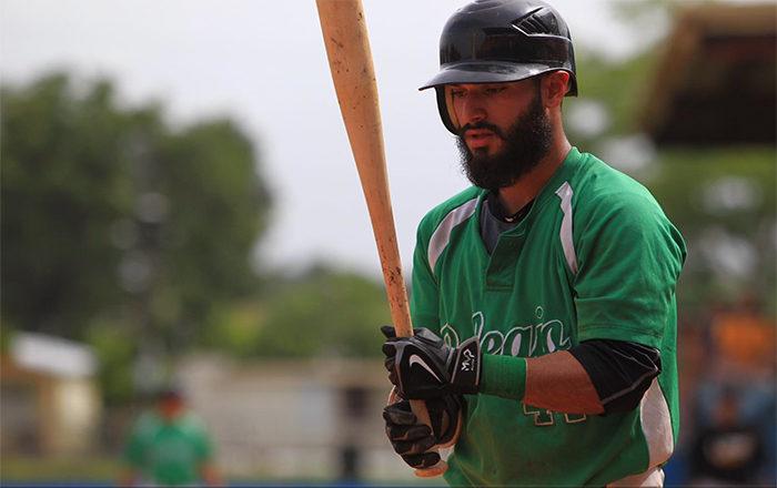 Terreno de juego caliente en el béisbol LAI