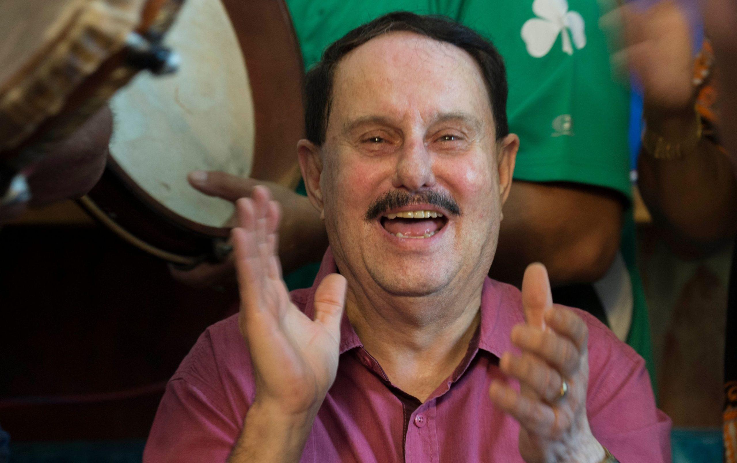 Honores al deportista radial Walter Ortiz Zavala