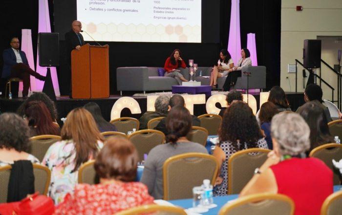 Trabajadores sociales celebran 80 asamblea