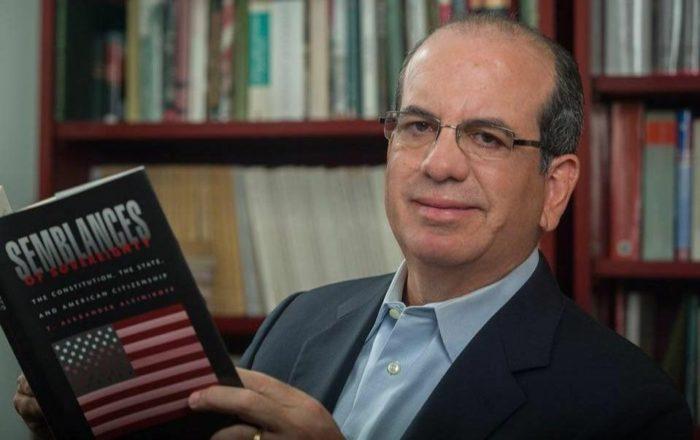 Reyerta en las redes entre Aníbal Acevedo Vilá y Jay Fonseca