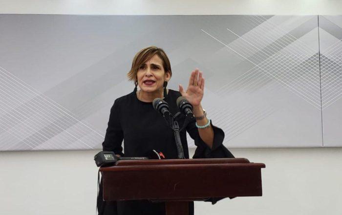 Zoé Laboy renuncia como secretaria de la Gobernación