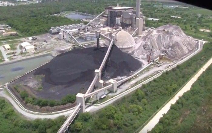 Exigen vistas públicas sobre reglamento para prohibir las cenizas de carbón