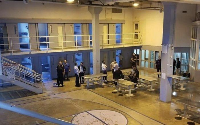 Alegan es innecesario liberar confinados para evitar brote de coronavirus en cárceles