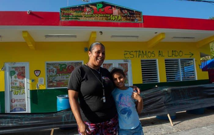 Pizzería bajo carpas en La Joya de Guánica