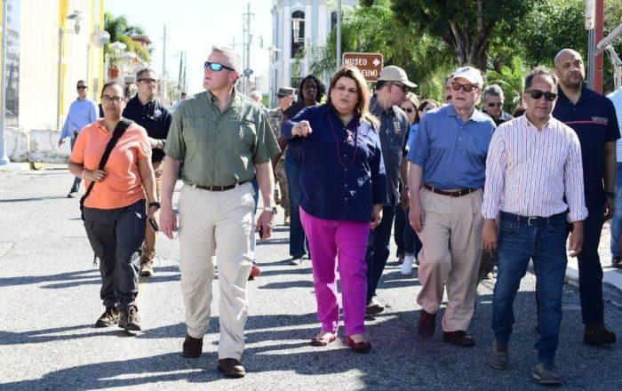 Grupo de congresistas visita pueblos afectados por terremoto