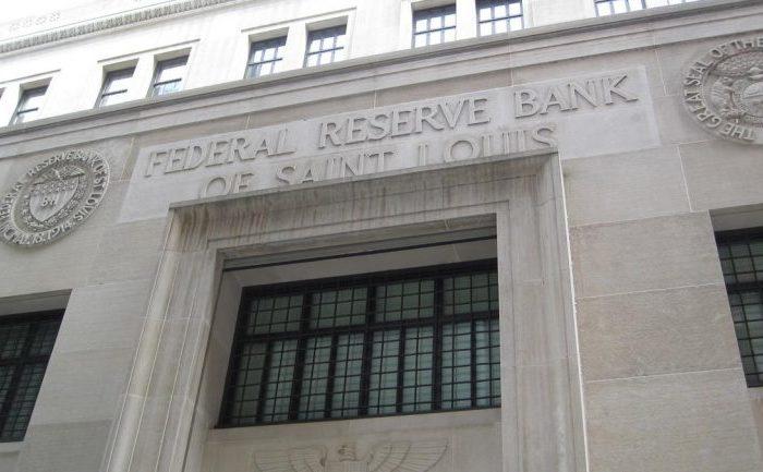 Reserva Federal baja la tasa de interés y compra bonos para enfrentar crisis del coronavirus