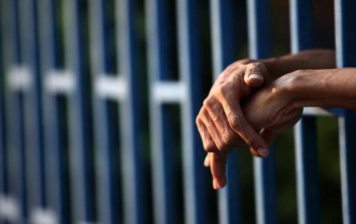 Confinados en huelga de hambre para hablar con secretario Corrección