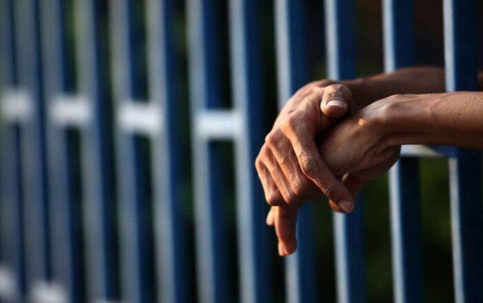 A la cárcel por robarle a sexagenario