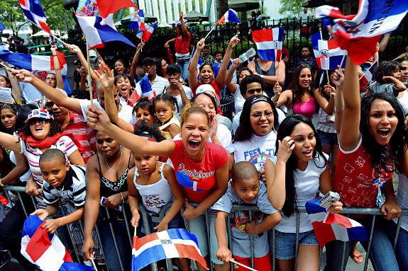Dominicanos aportan $1,700 millones anuales a economía local