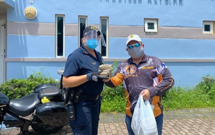 Codepola entrega materiales de protección a policías