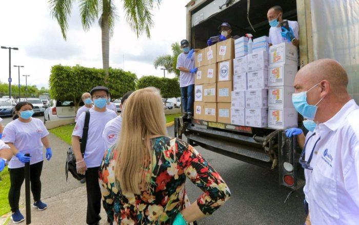Cámara de Comercio China en Puerto Rico dona suministros al Gobierno local