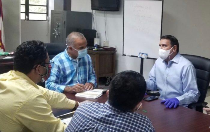 Alcaldes y secretario de Salud trazan plan para atender pandemia