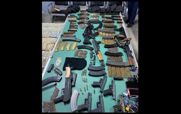 Policía ocupa potentes armas de fuego
