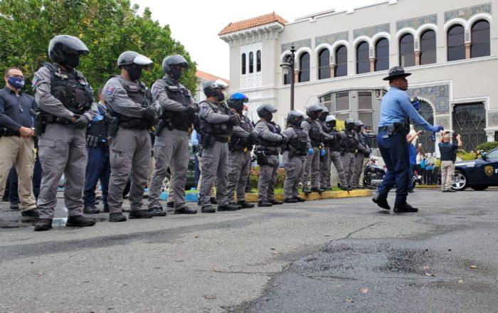 374 policías aislados antes focos de contagio del COVID