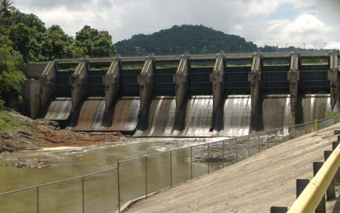 Sube dos pies nivel de agua en Carraízo