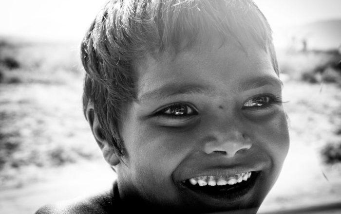Resaltan la importancia de combatir la pobreza infantil