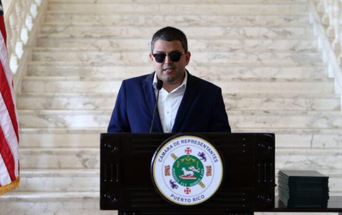 Federales arrestan al representante Néstor Alonso