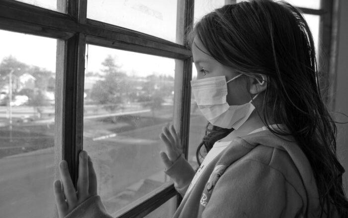 Aumentan los casos en la espera de inicio de la vacunación contra el COVID