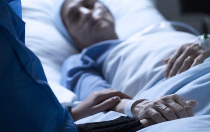 Aumentan las hospitalizaciones por COVID-19