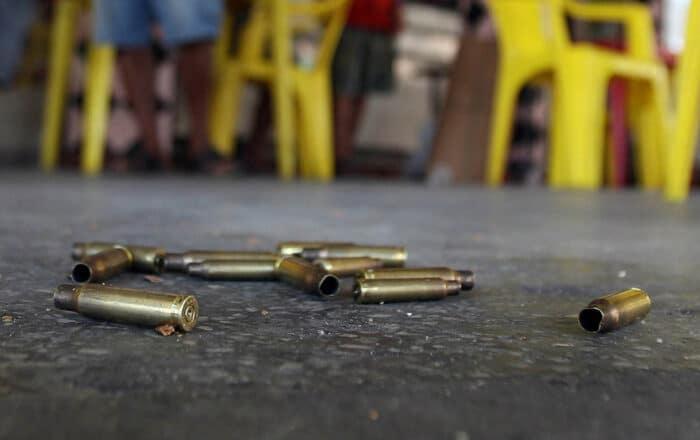 Mujer de 18 años resulta herida de bala