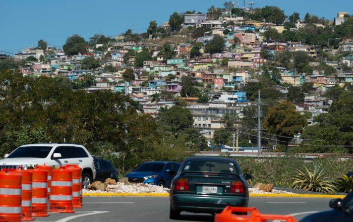 DTOP firma acuerdo con municipios del suroeste para mantenimiento de vías estatales
