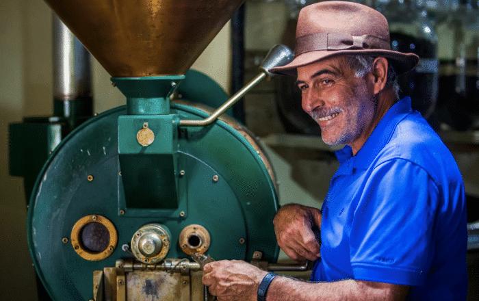 Revista National Geographic resalta agricultor puertorriqueño