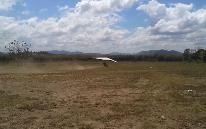 Avioneta ultraliviana cae en aguas de Guánica