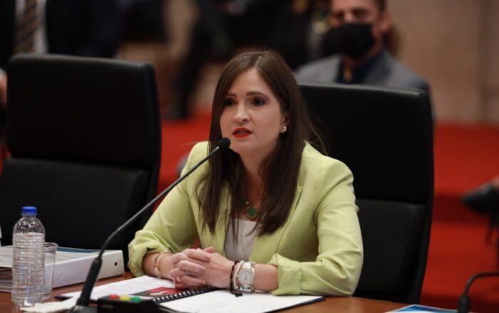 Senado evalúa nombramiento de secretaria de DTOP