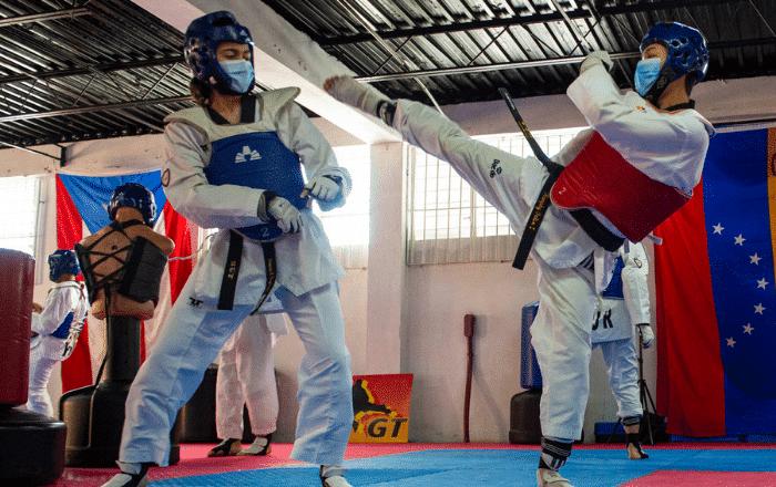 Rumbo a Colombia atletas guayameses de taekwondo