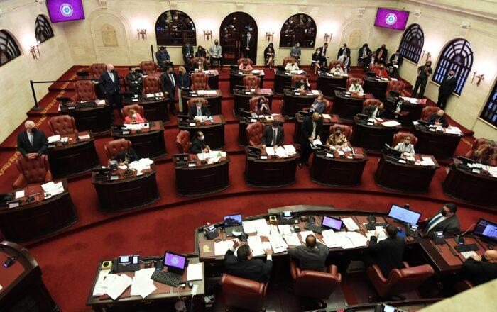 Senado aprueba medida para que municipios adquieran estructuras en desuso