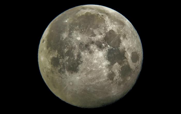 Hoy se verá la última súper luna llena